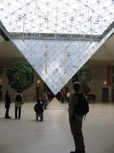 louvre-lobby-free-paris-travel