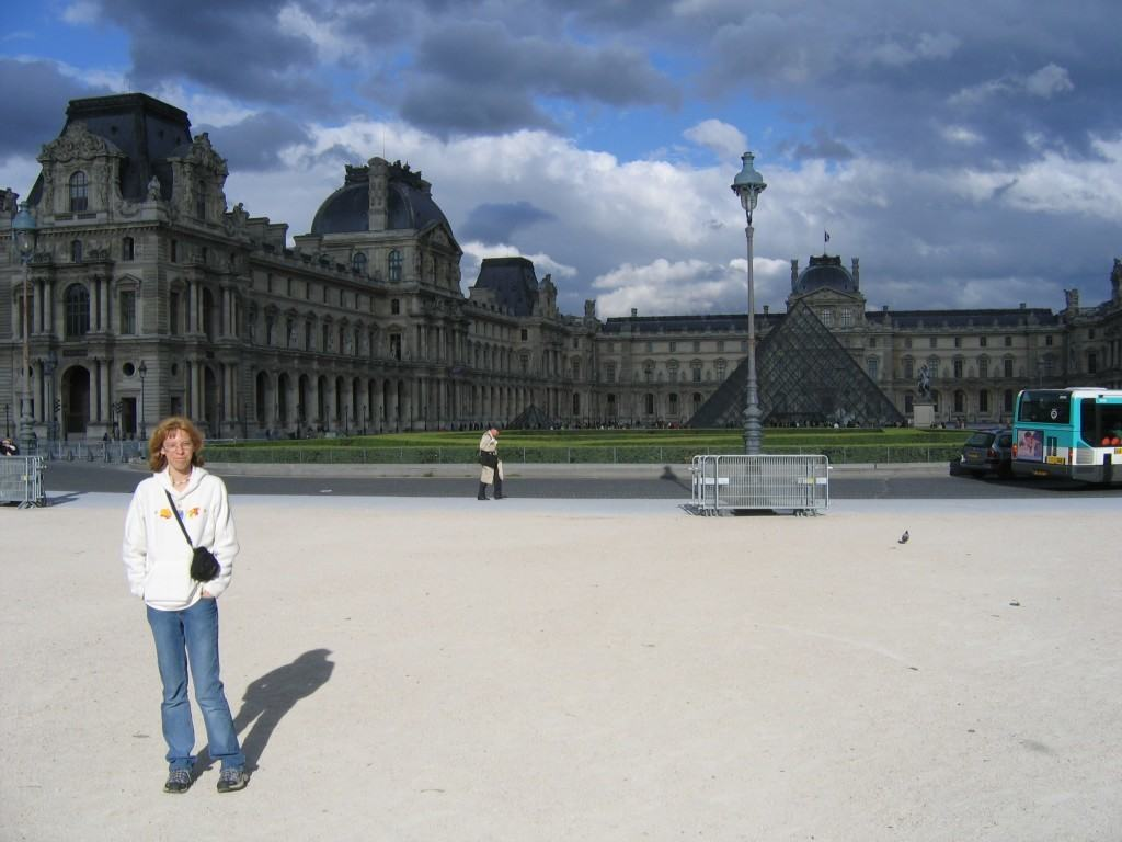 louvre-paris-travel