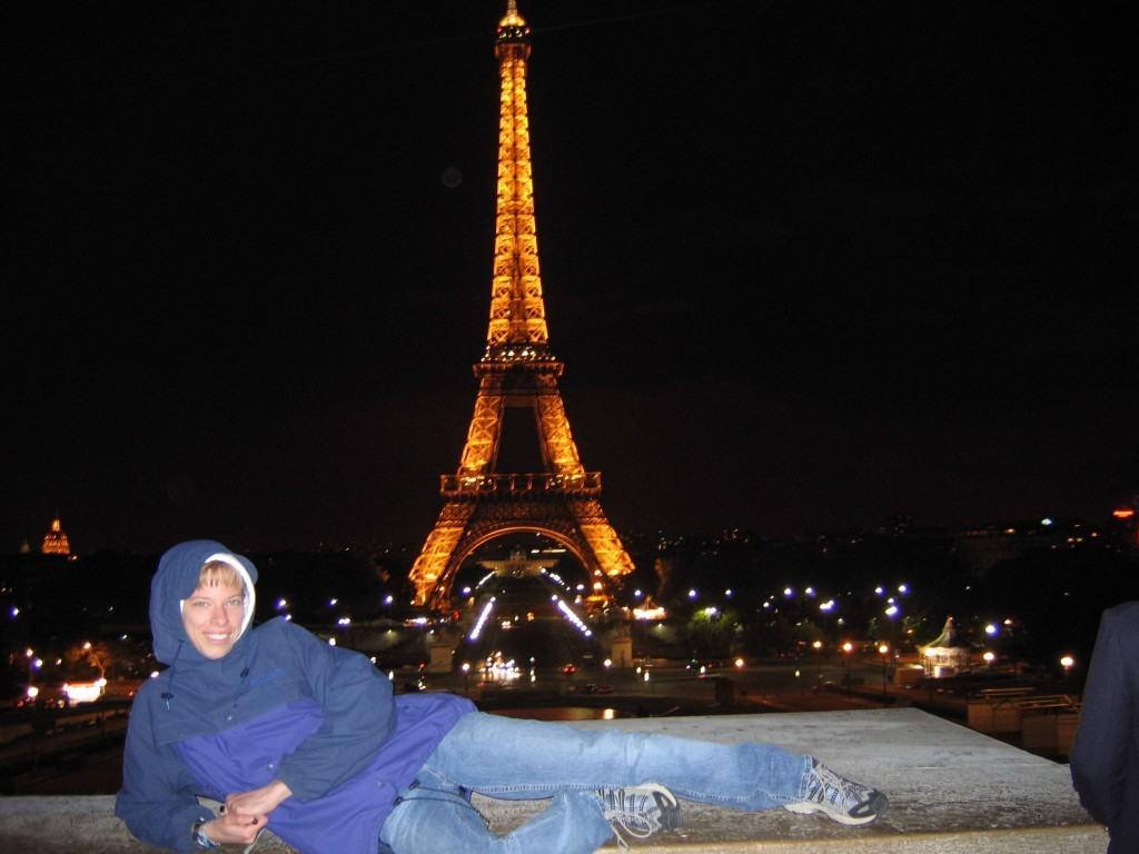 eiffel-tower-at-night-affordable-travel